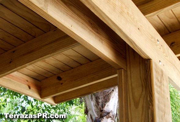 Terrazas puerto rico for Materiales para techos de madera